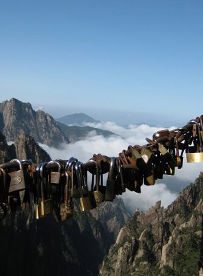 Dana-Carruth-LAc-China-Trip-Huang-Shan-Locks