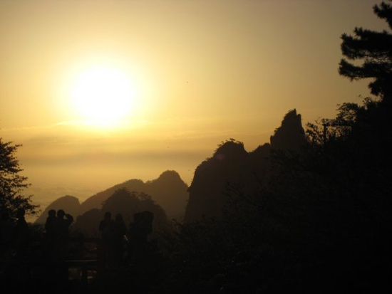 Dana-Carruth-LAc-China-Trip-Huang-Shan-Sunrise